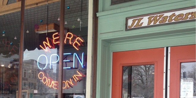 Some Downtown Bloomington Businesses Open Despite Cold Weather